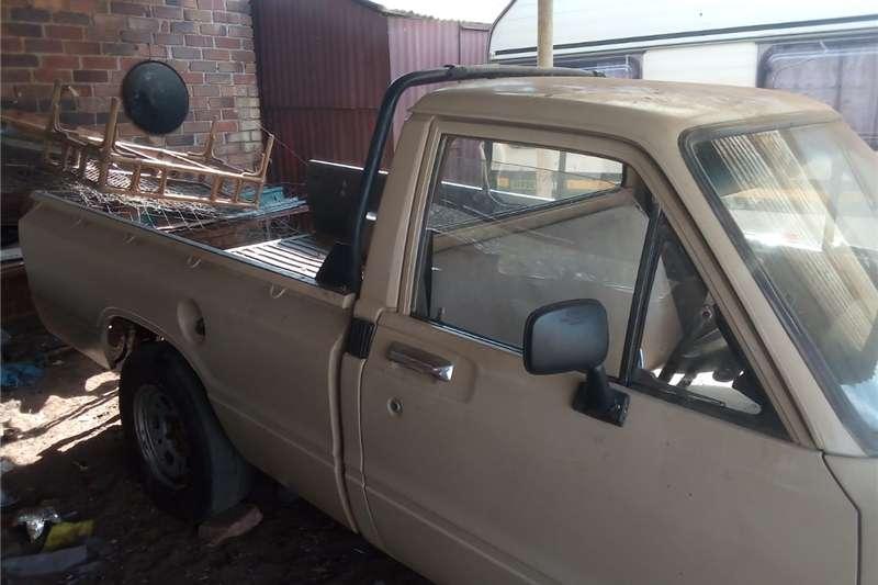 Toyota Hilux Single Cab HILUX 2.0 VVTi A/C P/U S/C 1981