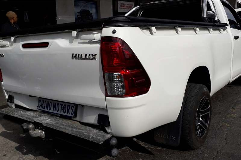 Toyota Hilux Single Cab HILUX 2.4 GD 6 SR P/U S/C 2017