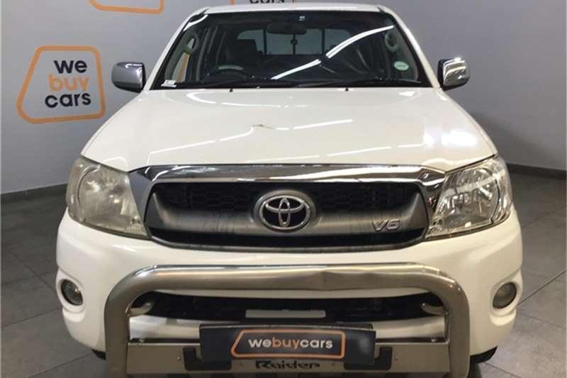 Toyota Hilux V6 4.0 double cab Raider 2011