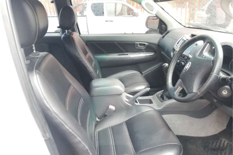 Toyota Hilux Xtra Cab 3.0D4D MANUAL 2015