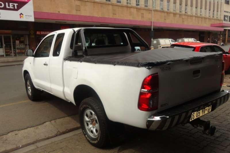 Toyota Hilux Xtra Cab HILUX 2.4 GD 6 RB SRX A/T P/U E/CAB 2012