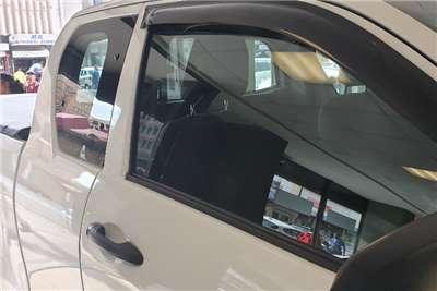 Toyota Hilux Xtra Cab HILUX 2.4 GD 6 RB SRX P/U E/CAB 2017