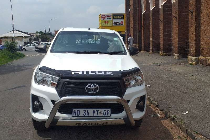 Toyota Hilux Xtra Cab HILUX 2.4 GD 6 RB SRX P/U E/CAB 2018