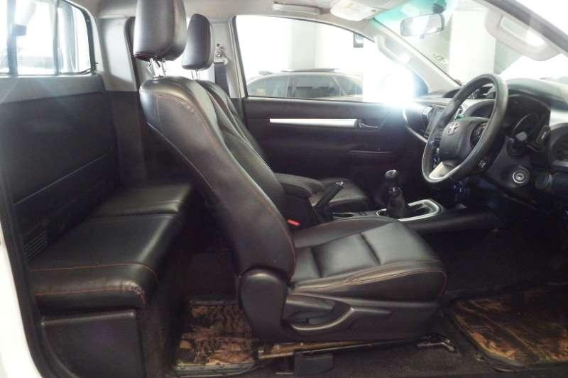 Toyota Hilux Xtra Cab HILUX 2.8 GD 6 RAIDER 4X4 P/U E/CAB 2016