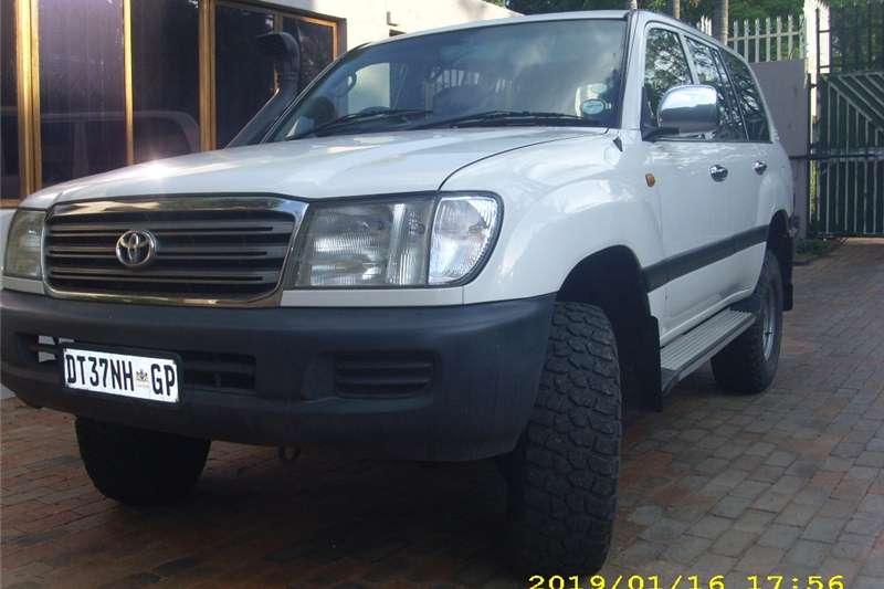 Toyota Land Cruiser 100 4.5 GX 2004