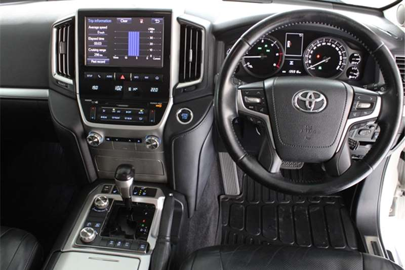 2016 Toyota Land Cruiser 200 Land Cruiser 200 4.5D-4D V8 VX