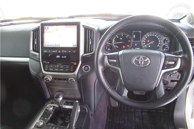 Toyota Land Cruiser 200 4.5D-4D V8 VX 2017