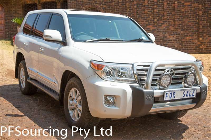Toyota Land Cruiser 200 4.6 V8 VX 2013