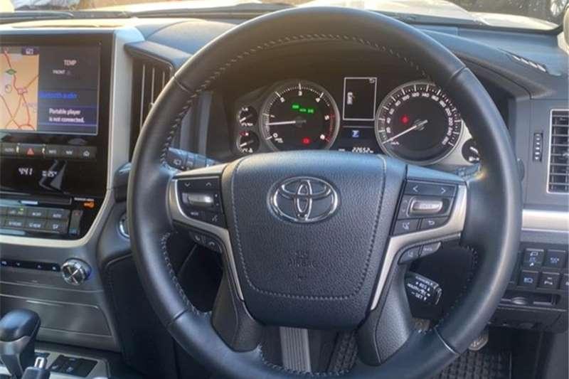 2019 Toyota Land Cruiser 200 LAND CRUISER 200 V8 4.5D VX-R A/T