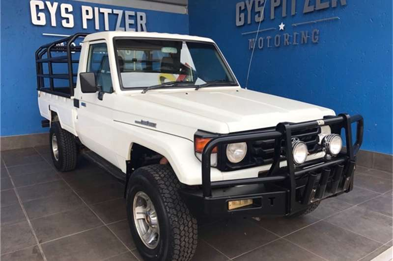 Toyota Land Cruiser 70 Series 4,5 2005