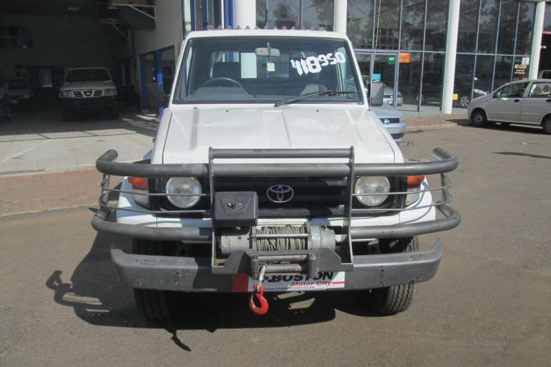 Toyota Land Cruiser 70 series LAND CRUISER 4.5 PETROL P/U S/C 2005