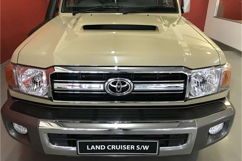 2020 Toyota Land Cruiser 76 4.5D 4D LX V8 station wagon