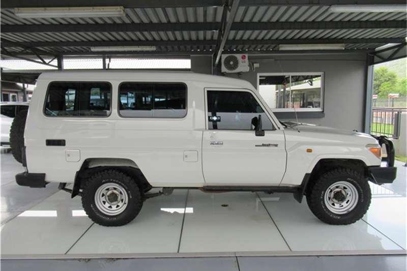 Toyota Land Cruiser 78 4.2D wagon 2011