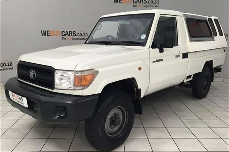 Toyota Land Cruiser 79 4.0 V6 2010