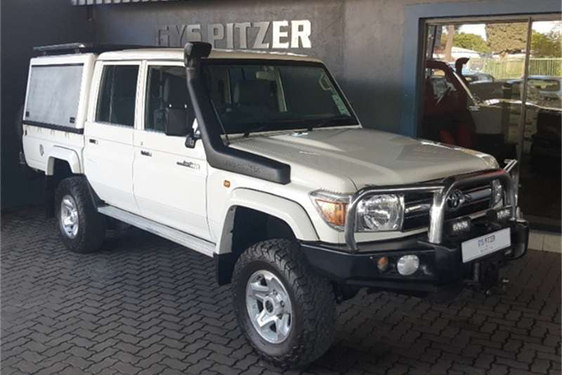 Toyota Land Cruiser 79 4.0 V6 double cab 2015