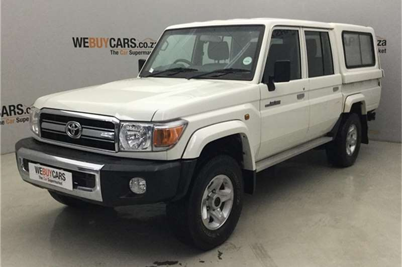 Toyota Land Cruiser 79 4.0 V6 double cab 2016