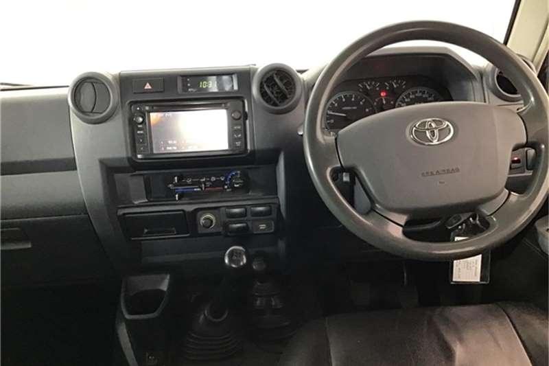 Toyota Land Cruiser 79 4.0 V6 double cab 2016