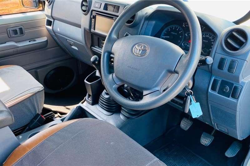 Toyota Land Cruiser 79 4.0 V6 double cab 2018