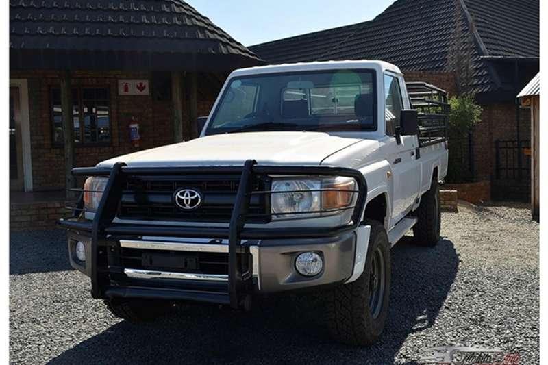 Toyota Land Cruiser 79 4.2D 2012