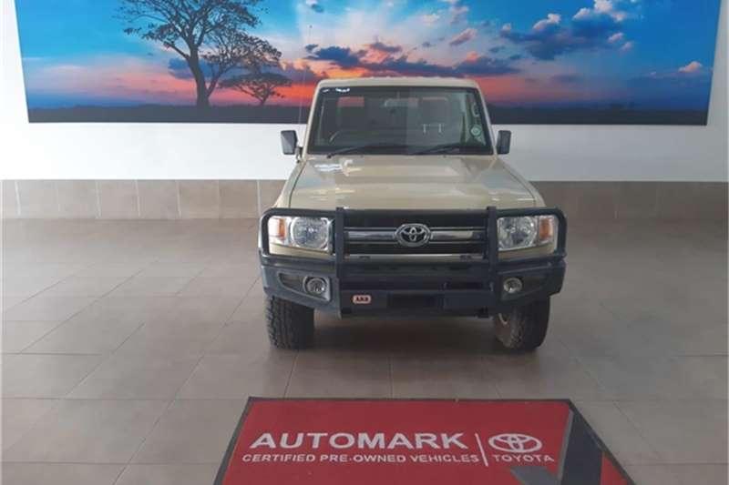 Toyota Land Cruiser 79 4.2D 2014