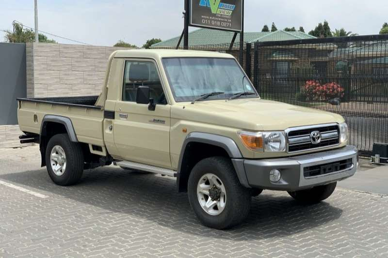 Toyota Land Cruiser 79 4.2D 2016