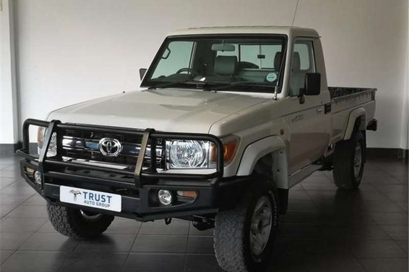 Toyota Land Cruiser 79 4.2D 2017