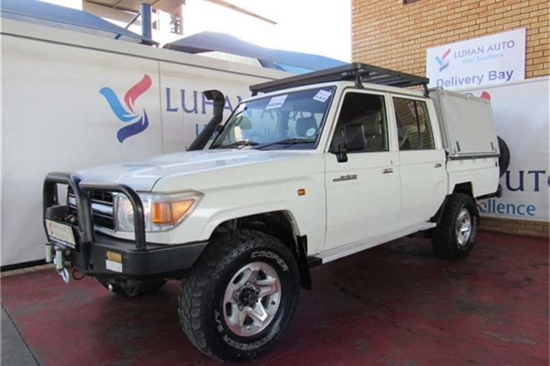 Toyota Land Cruiser 79 4.2D double cab 2013