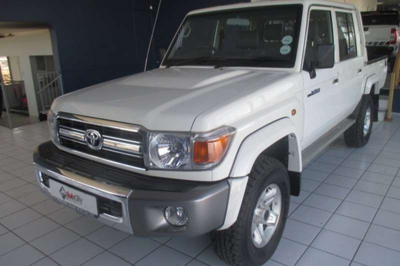 Toyota Land Cruiser 79 4.2D double cab 2016