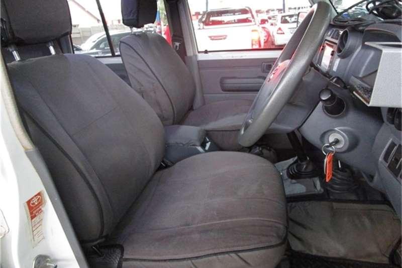 Toyota Land Cruiser 79 4.2D double cab 2016