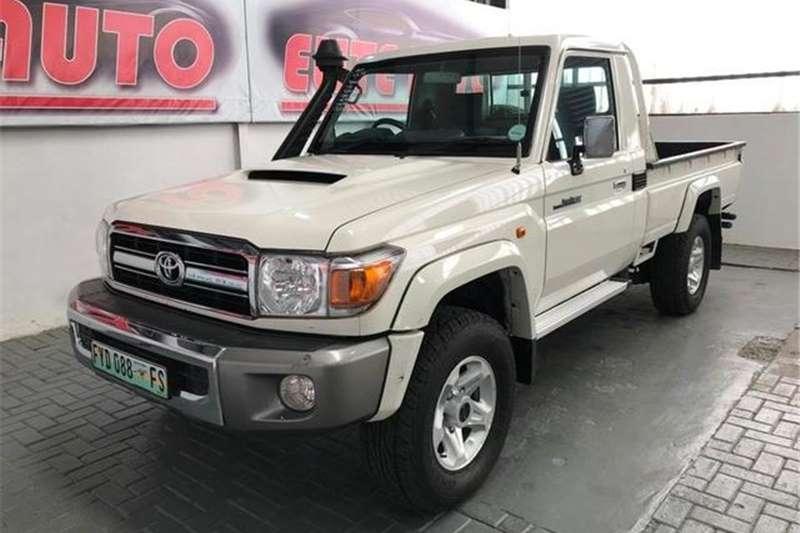 Toyota Land Cruiser 79 4.5D-4D LX V8 2017