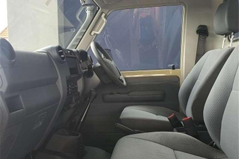 Toyota Land Cruiser 79 4.5D-4D LX V8 2021