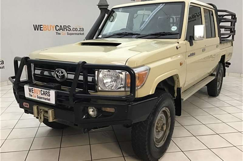 Toyota Land Cruiser 79 4.5D 4D LX V8 double cab 2014