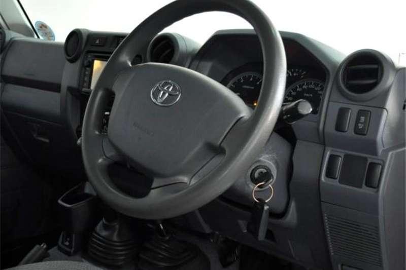 Toyota Land Cruiser 79 4.5D-4D LX V8 double cab 2016