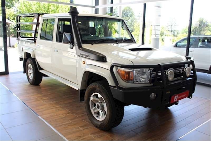 Toyota Land Cruiser 79 4.5D 4D LX V8 double cab 2016