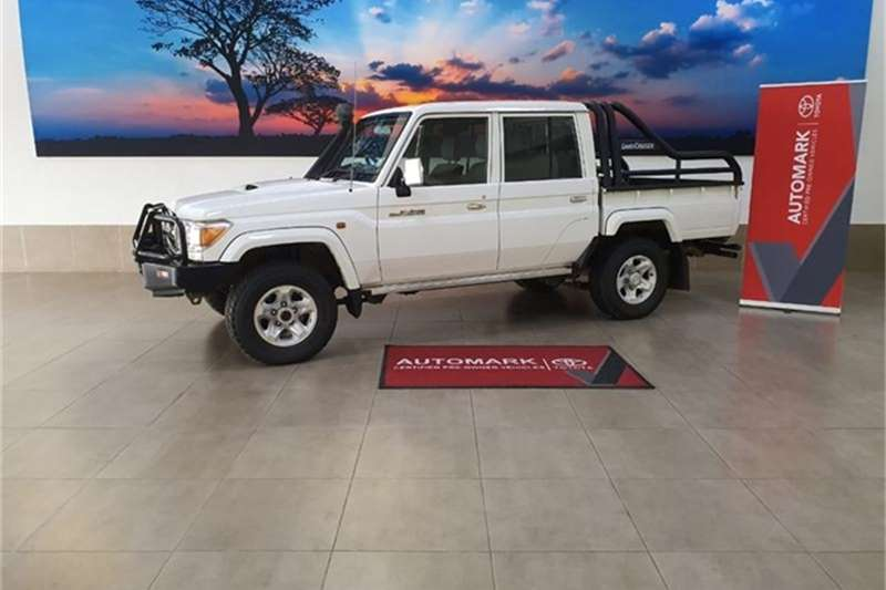 Toyota Land Cruiser 79 4.5D 4D LX V8 double cab 2017