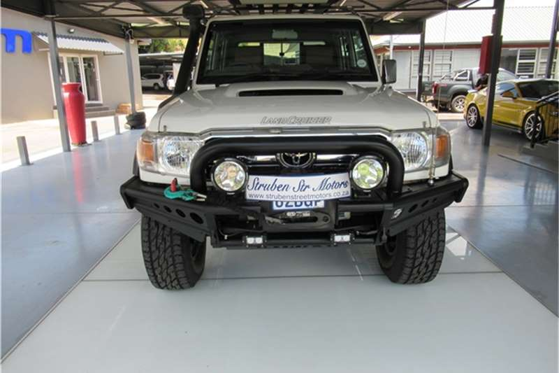 Toyota Land Cruiser 79 4.5D 4D LX V8 double cab 2018