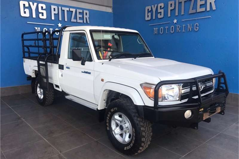 2017 Toyota Land Cruiser 79 4.2D