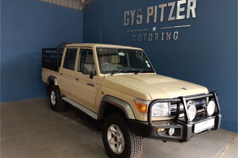 2016 Toyota Land Cruiser 79 4.0 V6 double cab
