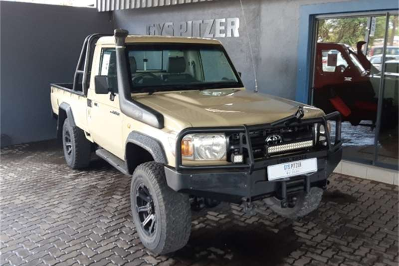 2011 Toyota Land Cruiser 79 4.0 V6