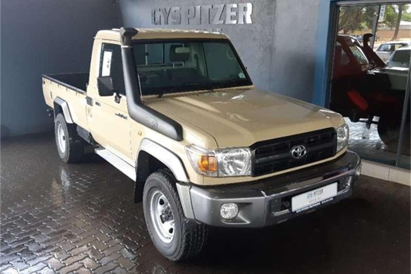 2010 Toyota Land Cruiser 79 4.0 V6