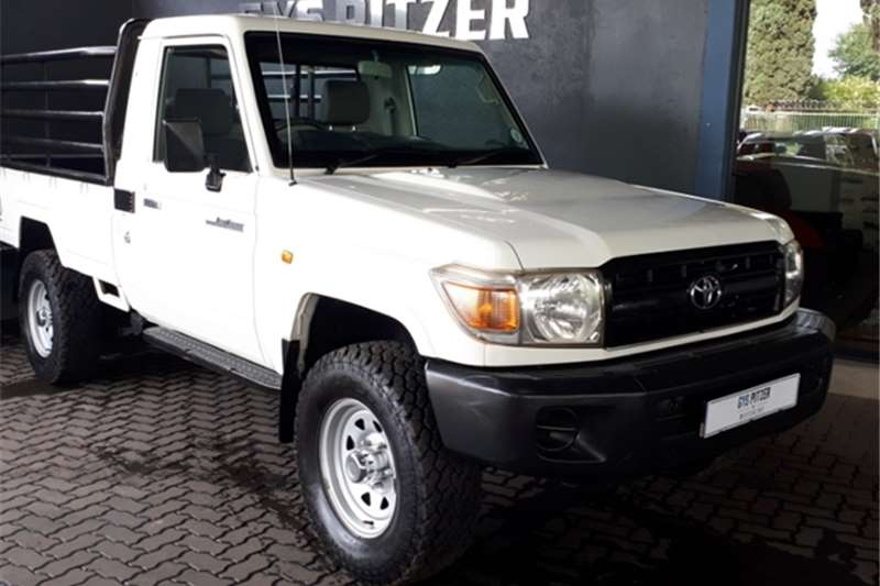 2010 Toyota Land Cruiser 79 4.0 V6