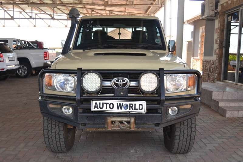 Toyota Land Cruiser 79 Single Cab 4.5D 2015