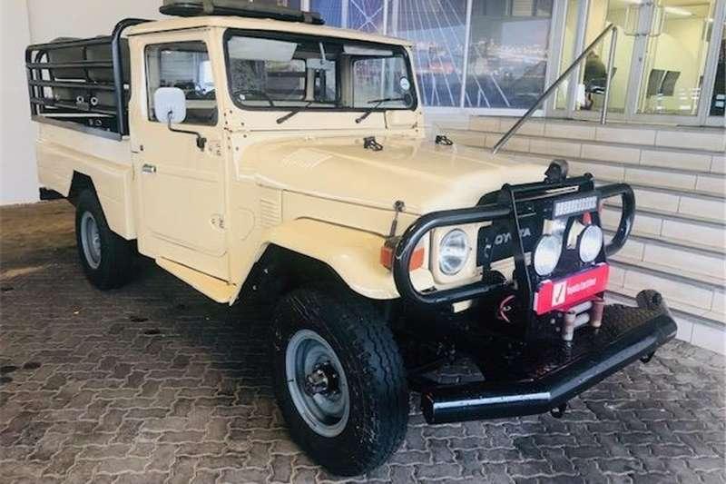Toyota Land Cruiser Pickup 4x4 1989