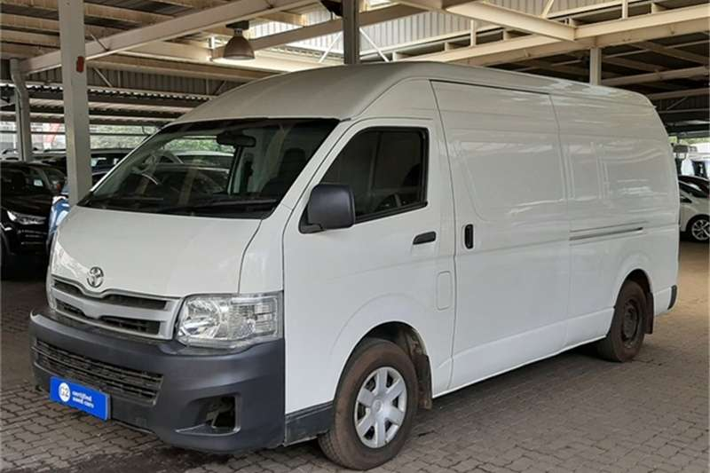 Toyota Quantum 2.5D 4D S Long panel van 2012