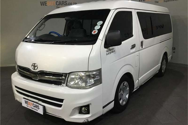 Toyota Quantum 2.7 GL 10 seater bus 2011
