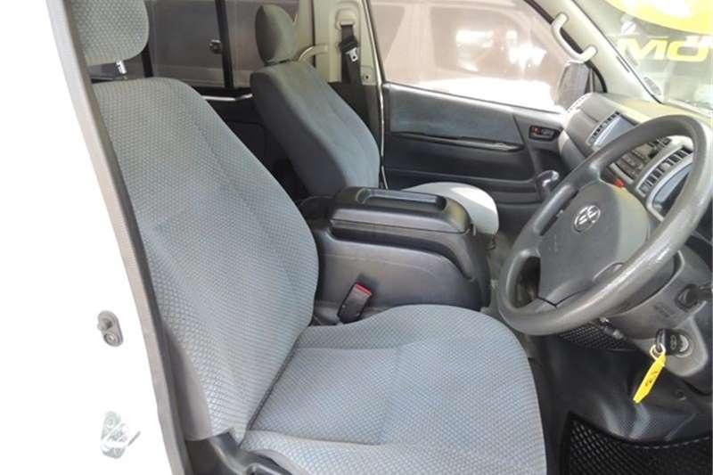 Toyota Quantum 2.7 GL 10 seater bus 2014