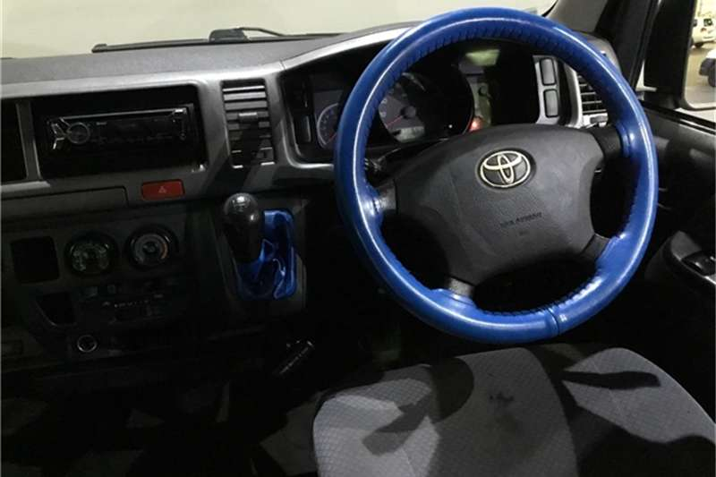 2011 Toyota Quantum 2.7 GL 10 seater bus