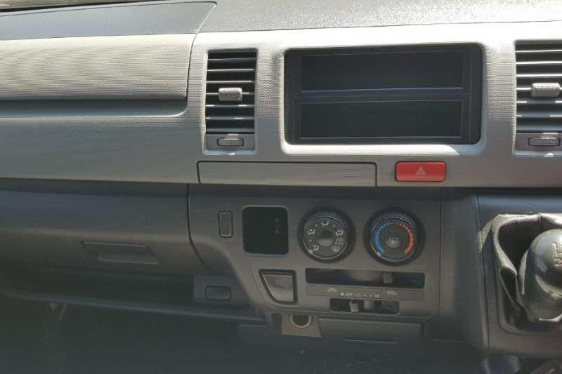 2010 Toyota Quantum 2.5D 4D panel van