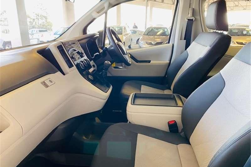 Toyota Quantum SLWB bus QUANTUM 2.8 GL 14 SEAT 2020