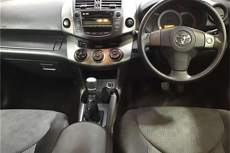 Toyota Rav4 2.2D 4D GX 2011